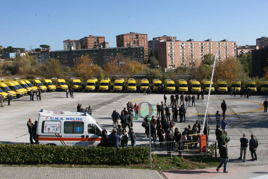 Nel piazzale dell 39 unimol benedizione per i 55 nuovi for Subito it molise attrezzature agricole